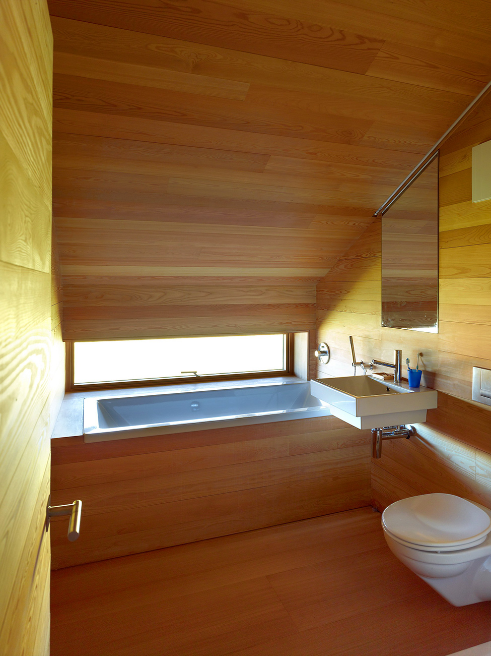 House_from_a_barn_Switzerland_12