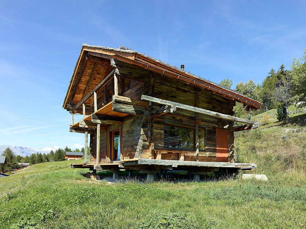 House_from_a_barn_Switzerland_3
