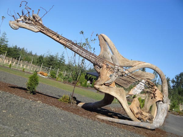 Sculptures-made-​​of-driftwood-just3ds.com-12