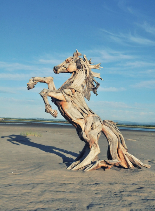Sculptures-made-​​of-driftwood-just3ds.com-2