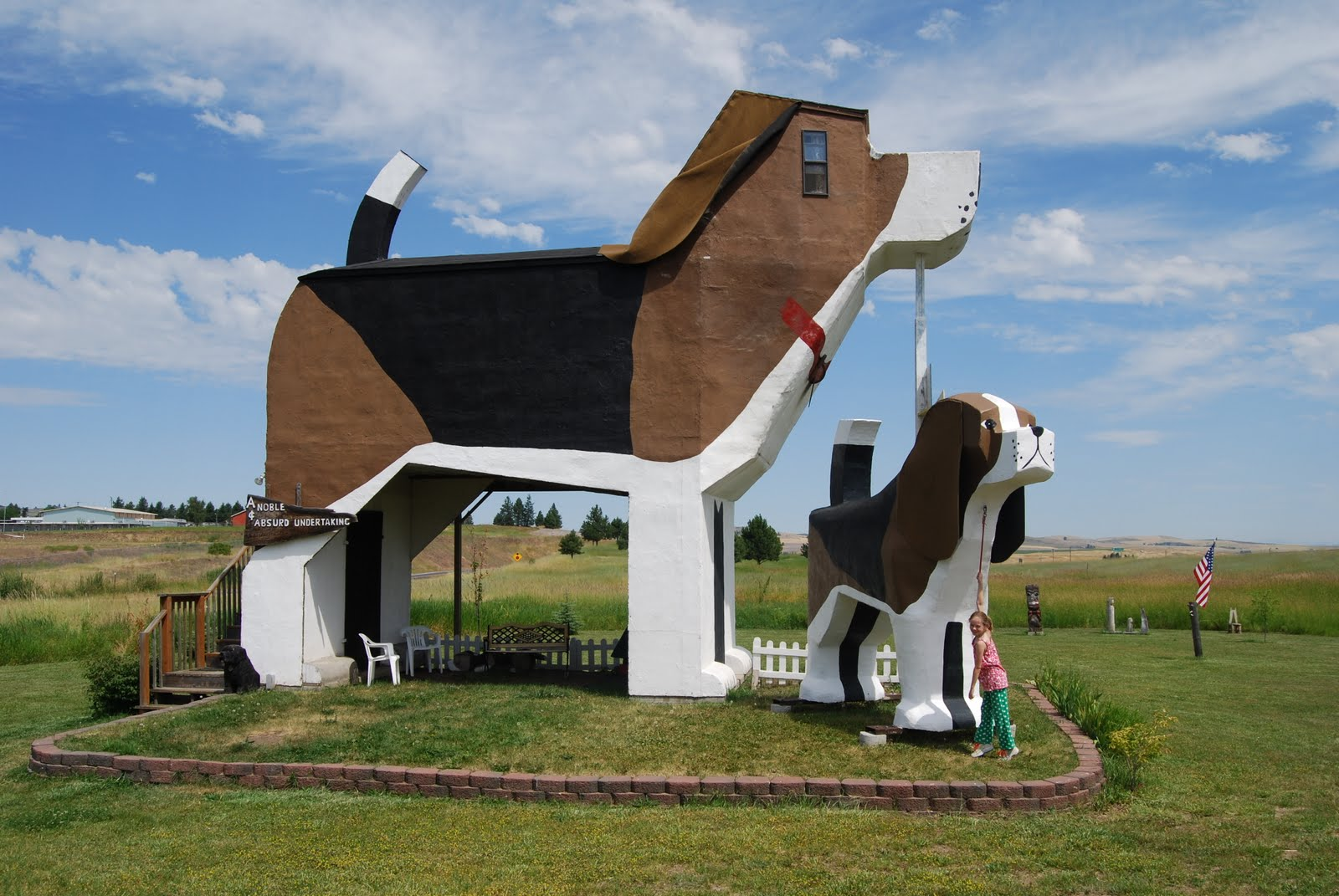 Dog-Bark-Park-Inn-USA-just3ds.com-1