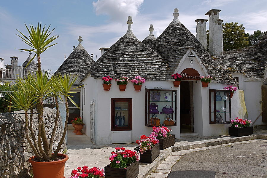 House-Smurfs-Trulli-Italy-just3ds.com-3