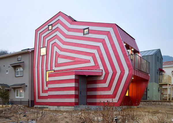 Unusual-house-facade-just3ds.com-2