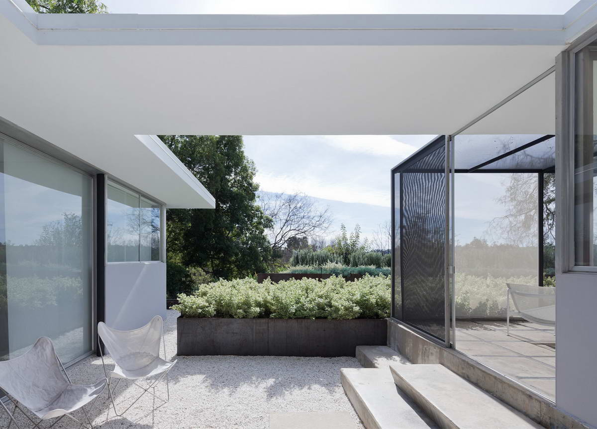 Architectural-Photographer-Julius-Shulman-just3ds.com-3