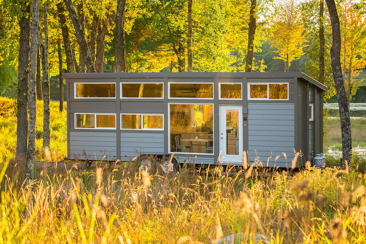 How 8 people can accommodate into a mobile house