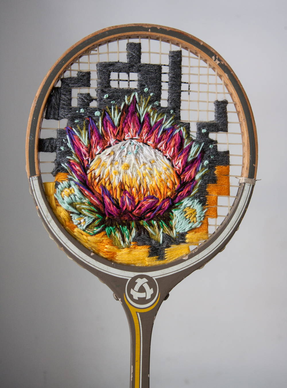 Embroidery-on-a-tennis-racquet-just3ds.com-6